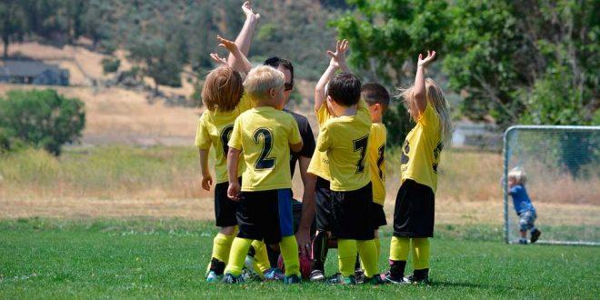 Los orígenes y beneficios del deporte en equipo